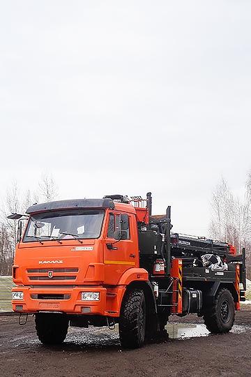 Бурильно-крановая машина JUNJIN SA040 на шасси КАМАЗ 43502