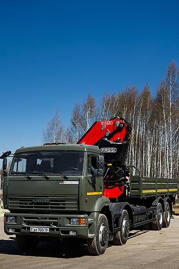 Манипулятор Fassi F820 на шасси КАМАЗ-65201