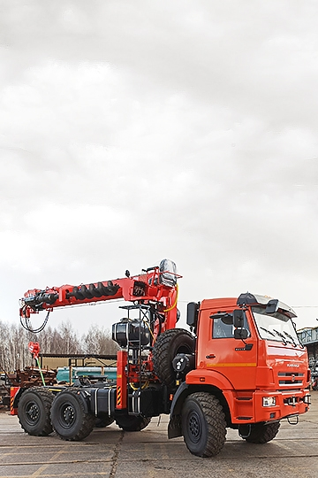 Манипулятор Kanglim KS 2056 с буром на шасси КАМАЗ-43118