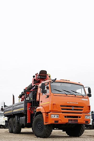 Опоровоз с КМУ Kanglim KS 2056 и буром на шасси КАМАЗ-43118