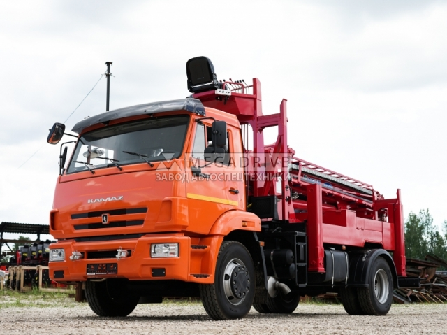 Бурильно-крановая машина KANGLIM KDC 5600 на шасси КАМАЗ 43253